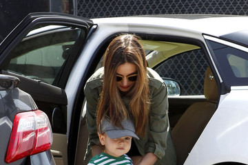 Flynn Bloom Miranda Kerr Takes Flynn to Gym Class