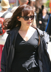 Ginnifer Goodwin Ginnifer Goodwin On Set Of 'Something Borrowed' 3
