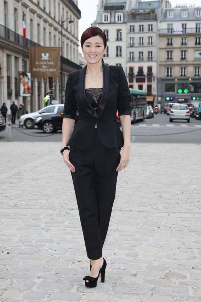 http://www4.pictures.zimbio.com/pc/Gong+Li+Stars+Louis+Vuitton+Paris+Fashion+gvUKvisu81Cl.jpg