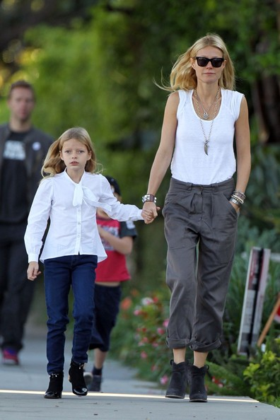 Gwyneth Paltrow And Chris Martin Out With Their Kids