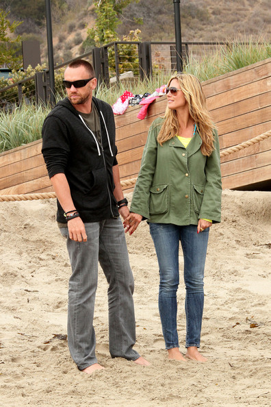 Heidi Klum and Martin Kristen at the Beach - Pictures