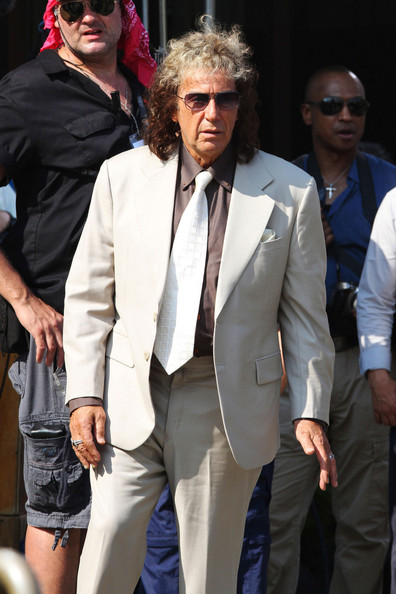Helen Mirren and Al Pacino seen filming an HBO made-for-tv movie about Phil Spector's murder trial in upstate New York. The two will star with Bette Midler who will play Spector's defense attourney.