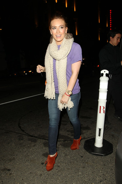 http://www4.pictures.zimbio.com/pc/Hilary+Duff+earlier+day+denied+pregnancy+rumours+xWh02cb8j5Ql.jpg