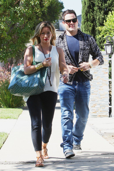 Hilary Duff and Mike Comrie at a BBQ - Zimbio