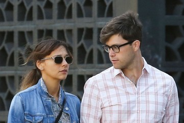 """Holding Hands Rashida Jones' new boyfriend has been identified as """"Saturday Night Live"""" writer Colin Jost, the pair are seen here talking a walk in NYC on September 4"""