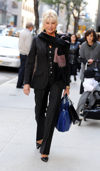 Ivana Trump Photos Photos Ivana Trump Shops On Madison Avenue Zimbio
