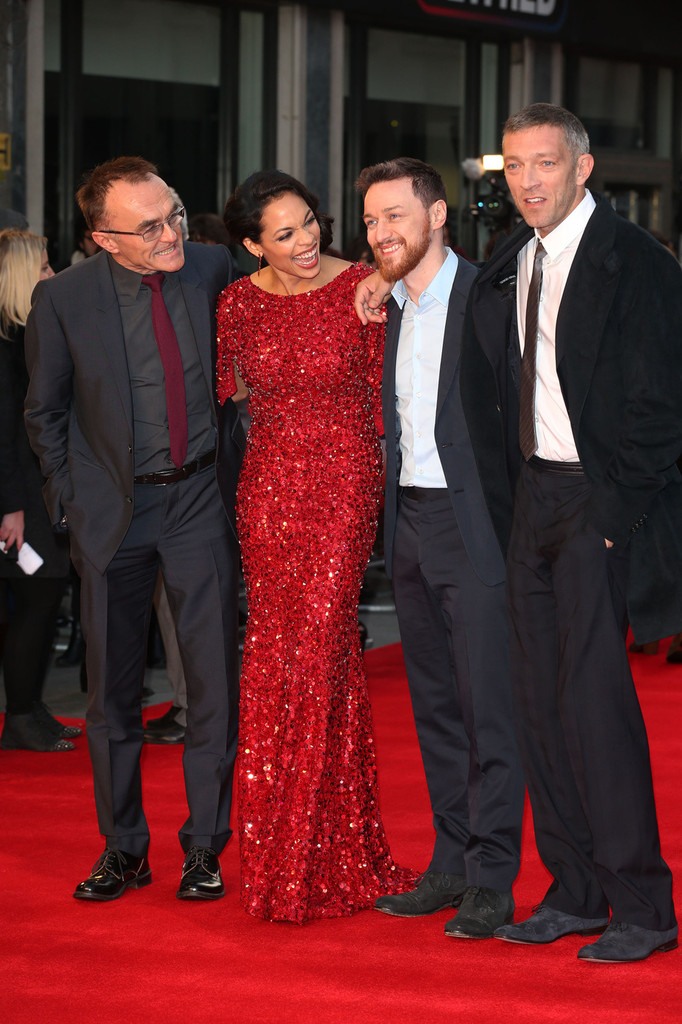 http://www4.pictures.zimbio.com/pc/James+McAvoy+Trance+Premieres+London+5+Fg7-EOpAJaAx.jpg