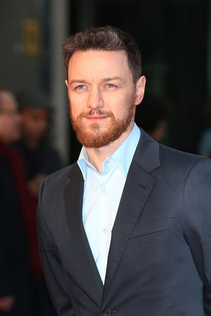 http://www4.pictures.zimbio.com/pc/James+McAvoy+Trance+Premieres+London+5+JGVRFSMR5skx.jpg