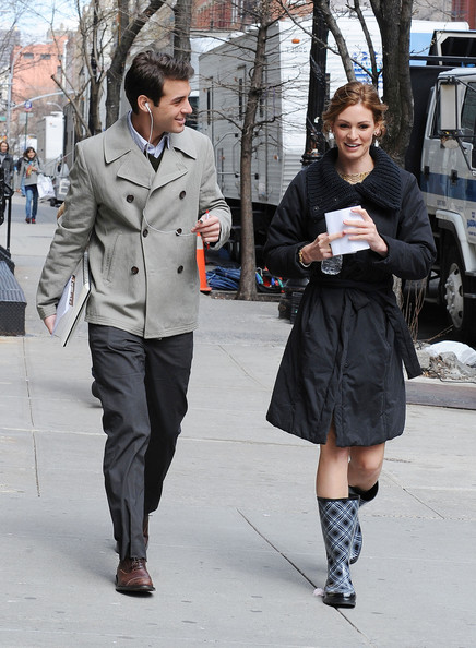 "James Wolk and Daisy Betts walk onto the set of ABC's new TV pilot ""Georgetown"" filming on location in NYC. The show centers around the young people behind the power brokers of Washington, DC."