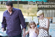 Michelle Williams and Jason Segel Photos Photo