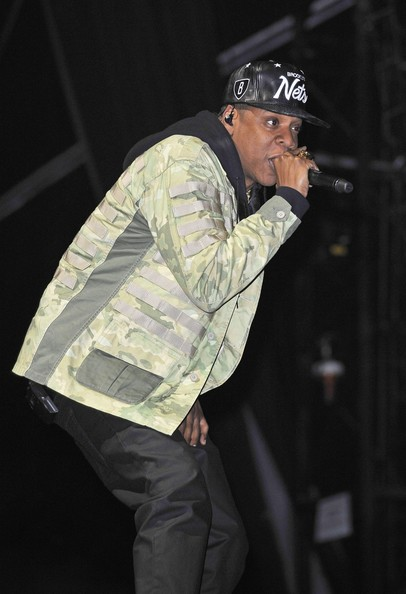 Jay-Z - Rihanna and Jay-Z Perform in London