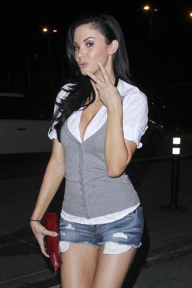Jayde Nicole at Teddys in Hollywood with friends []