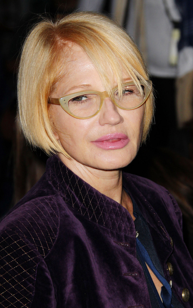 Ellen Barkin Photos Photos - Jennifer Aniston at the SoHo ...
