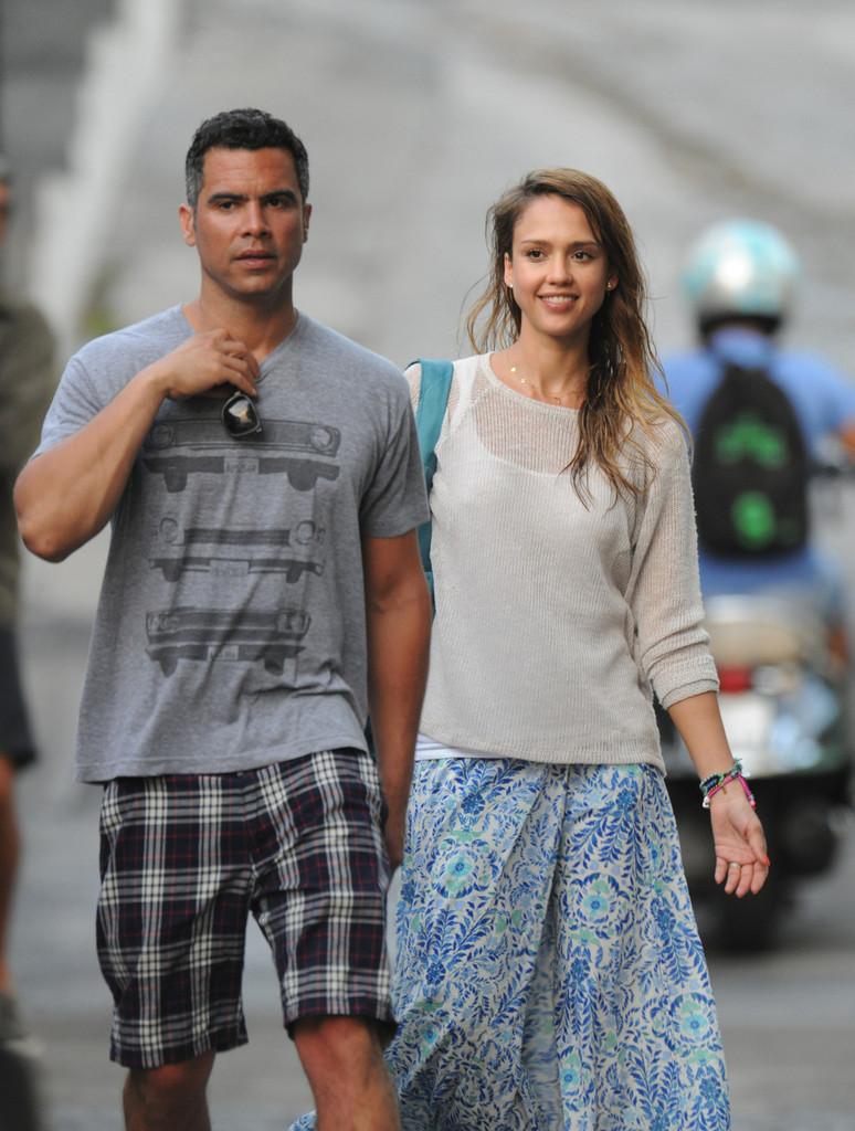 Jessica Alba and and Cash Warren in St. Barts 1 of 39 - Zimbio