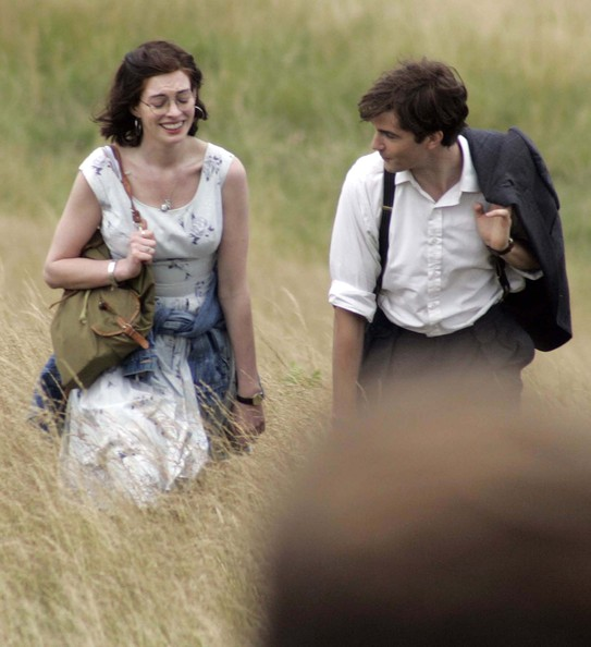 "Jim Sturgess A geeky Anne Hathaway films a scene for her new movie""One Day"