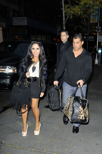 3900cb6aad4 Jionni LaValle Photos Photos - Snooki and Jionni Out in NYC - Zimbio