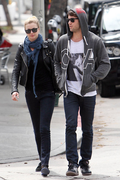 josh bowman and emily van camp dating This pin was discovered by deisy latizia discover (and save) your own pins on pinterest.