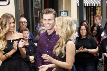 Julianne Hough Kenny Wormald The Cast of Footloose on 'Extra'