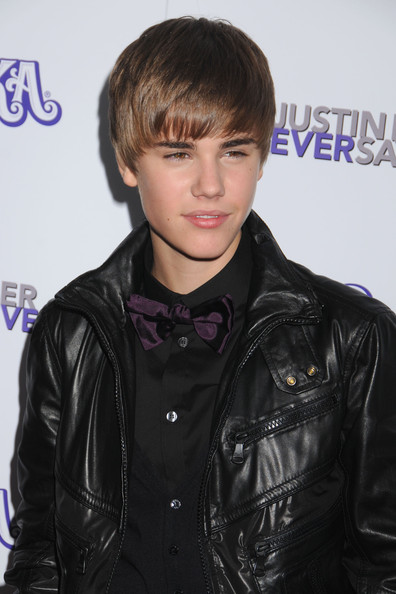 justin bieber wallpaper 2011 new haircut. Justin Bieber 2011 New Haircut