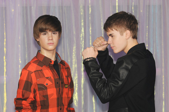 justin bieber kl 2011. Justin Bieber and his mother