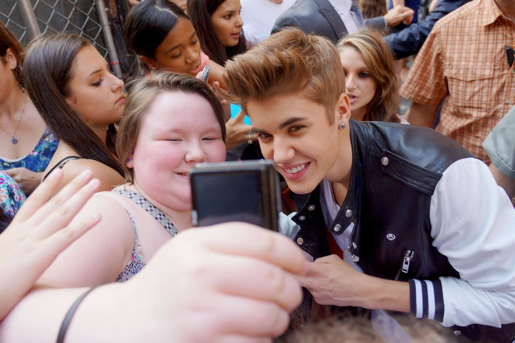Justin Bieber In Justin Bieber Gets Mobbed By Fans As He