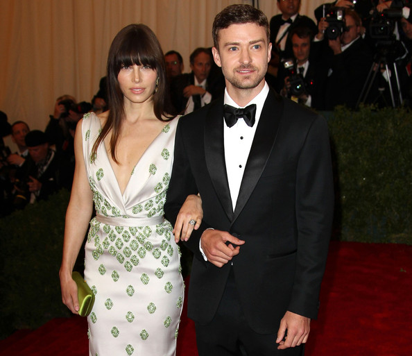 http://www4.pictures.zimbio.com/pc/Justin+Timberlake+Celebs+Costume+Institute+3TyjsVVw0pFl.jpg