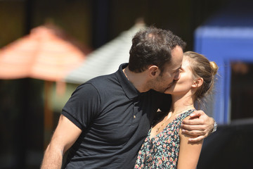Justyna Sroka Albert Hammond, Jr. and His Girlfriend Out in NYC