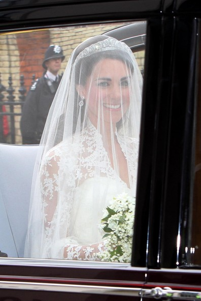 kate middleton nose job. kate middleton pippa. Kate Middleton Kate Middleton; Kate Middleton Kate Middleton. chrissnv. Mar 26, 03:36 PM. It looks like they are right outside of an