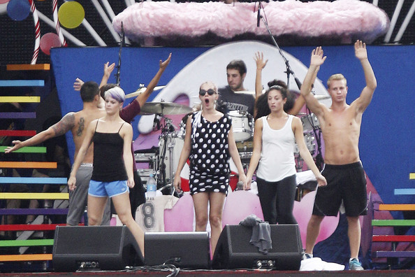 Katy Perry Photos Photos Katy Perry At Sound Check In Rio Zimbio
