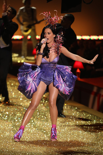 Katy Perry Performs at the Victoria's Secret Fashion Show