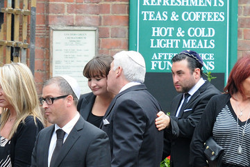 Alex Winehouse Mourners at the Amy Winehouse Funeral 2