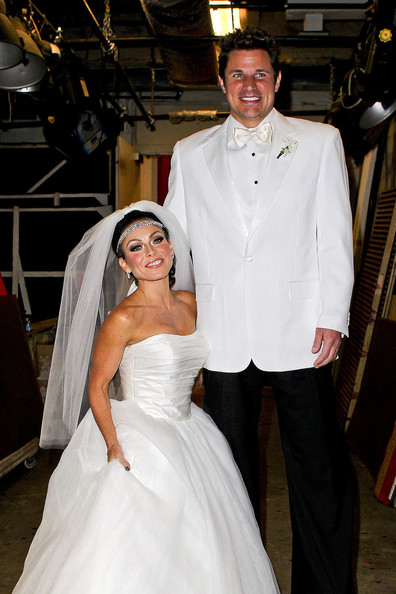 Kelly Ripa And Nick Lachey In Costume 3