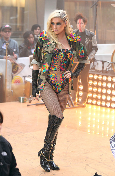 Kesha - Kesha Performs on 'The Today Show'