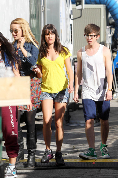 who is kevin mchale dating He was dating the girl who plays tina on glee but is know currently single.