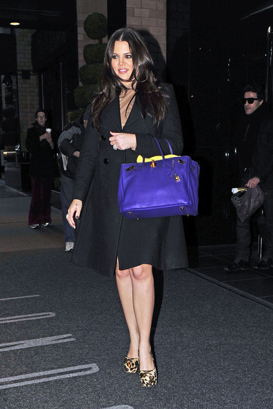 http://www4.pictures.zimbio.com/pc/Khloe+Kardashian+leaving+New+York+hotel+early+KwSRKu02Qsql.jpg