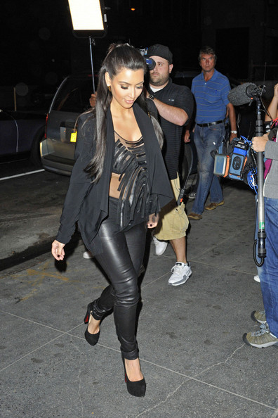 Kim Kardashian - Kim and Kourtney Kardashian go to 'The Bowling Lane' in Times Square