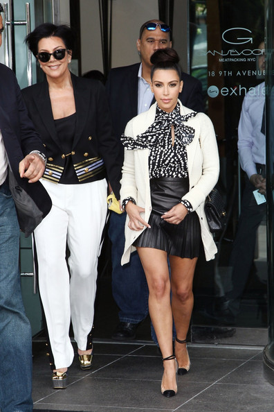 Fantastic The Kardashians Head Out In New York City 2 Zimbio Hairstyle Inspiration Daily Dogsangcom