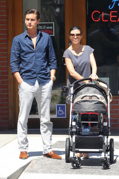 Kourtney+Kardashian in Kourtney Kardashian and Scott Disick Take Their Son to Lunch