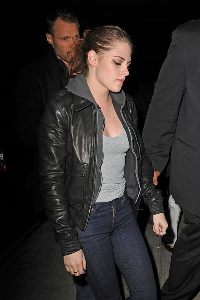 Kristen Stewart - Kristen Stewart takes a break from her busy schedule to grab dinner at Abe & Arthur's in the Meatpacking District in New York City