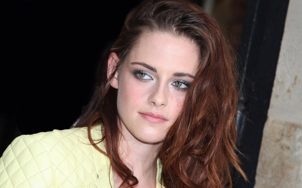 Kristen Stewarts Twilight Love Triangle Quote Could Maybe Have A