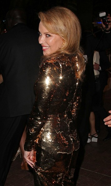 Kylie photos > candids, shoots, eventos... - Página 11 Kylie+Minogue+Kylie+Minogue+Holy+Motors+Premiere+p6A2b2XwHFBl