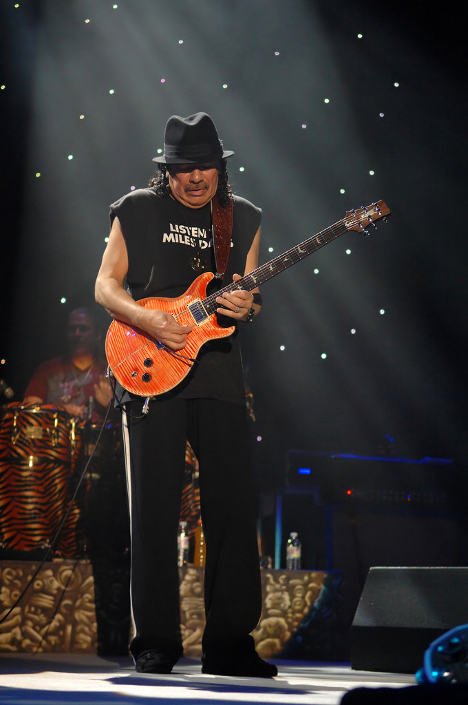 carlos santana photos photos carlos santana plays at the manchester arena zimbio. Black Bedroom Furniture Sets. Home Design Ideas