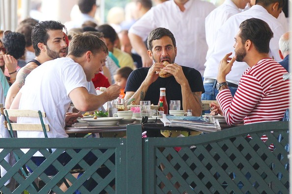 Marc Jacobs and Harry Louis Grab Lunch in NYC 2