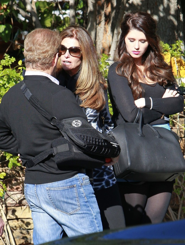 maria shriver leaves a party 3 of 8 zimbio