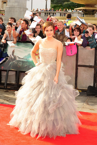 "Emma Watson wears a stunning Oscar de la Renta gown as she arrives for the world premiere of ""Harry Potter and the Deathly Hallows - Part 2"" - the final Harry Potter film. The premiere was held in London's Trafalgar Square."