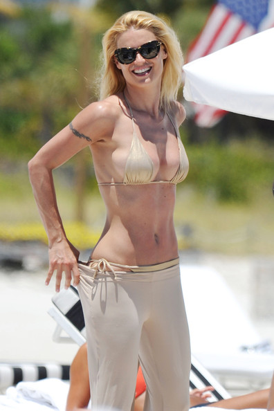 Michelle Hunziker A.Swiss model and tv presenter Michelle Hunziker hits the ...