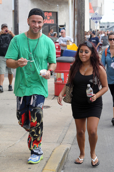 "Nicole Polizzi and Mike Sorrentino - Mike ""The Situation"" SorrentinoTakes Snooki and Deena to the Fair"