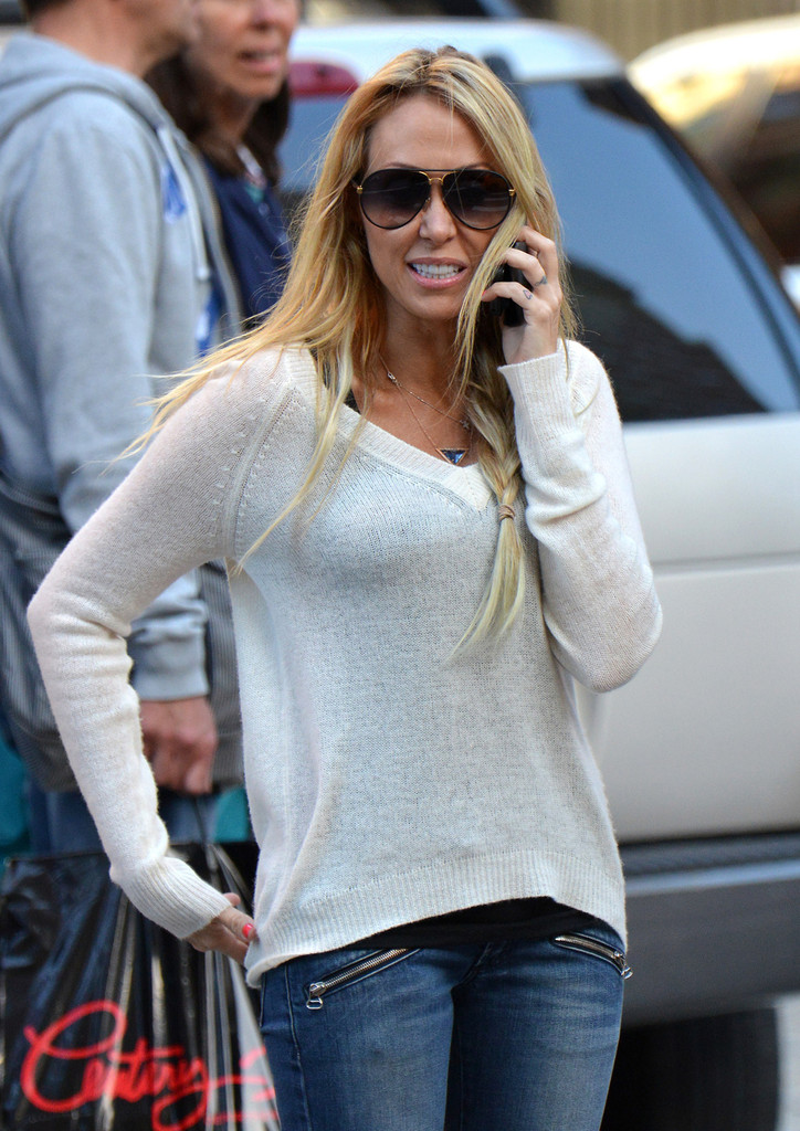 Leticia Cyrus Photos Photos - Tish Cyrus Walks and Talks ...