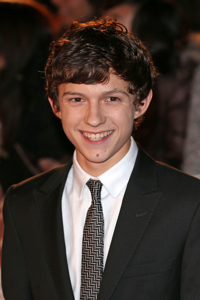 Tom Holland Photos Photos - Celebs at the Premiere of 'The ...