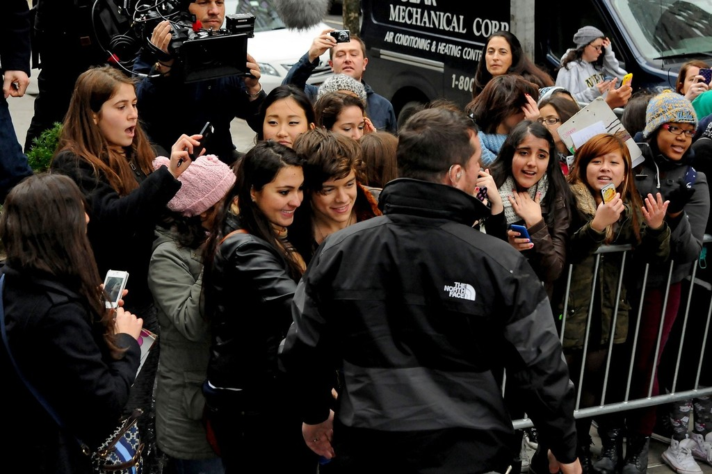 Harry Styles Photos One Direction Greets Fans In NYC Zimbio